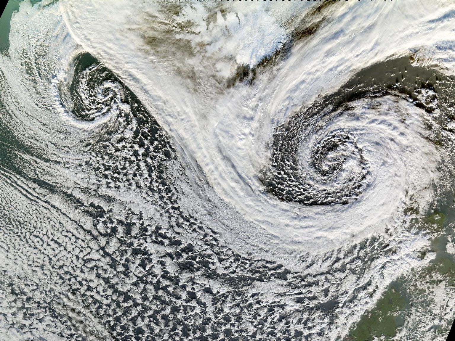 Extratropical Cyclones near Iceland