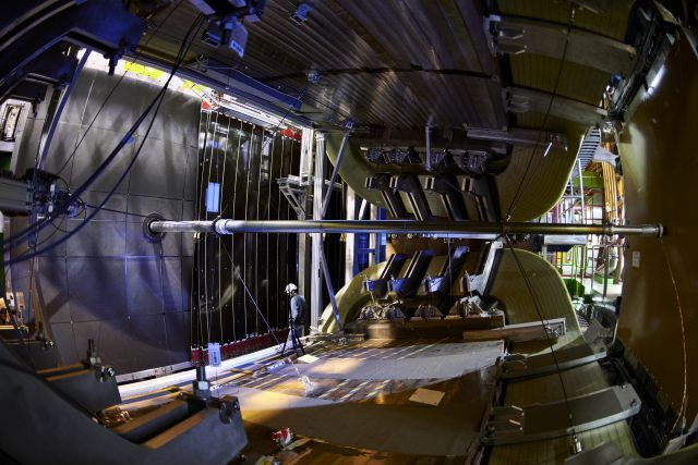 The LHCb detector in January 2019. The swiss groups in LHCb are Zurich University and EPFL. Swiss physicists were not directly involved in the analysis leading to the recent CP violation discovery, but were involved in the reviewing of the results and the paper. Photo: CERN