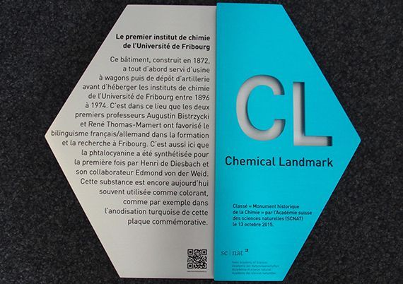 Chemical Landmark plaque 2015, in honour of the discovery of phthalocyanine anodised with a turquoise phthalocyanine.