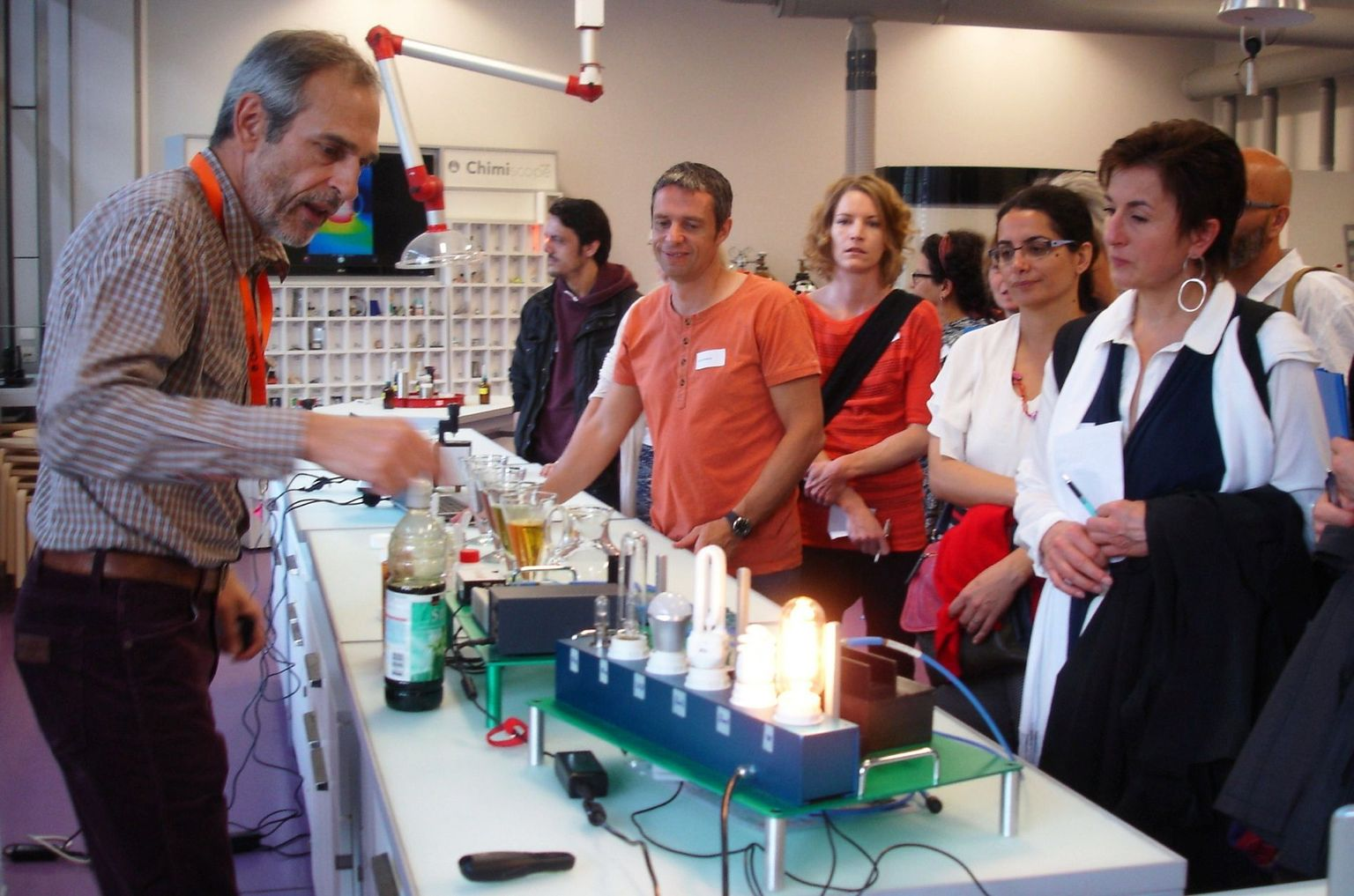 Visite du Chimiscope par les participantes et participants du workshop Science on Stage Switzerland