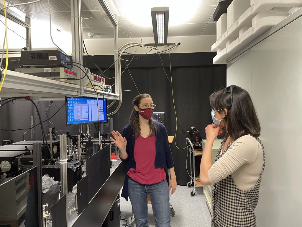 Ilaria Zardo with a research assistant in the physics laboratory of the University of Basel.