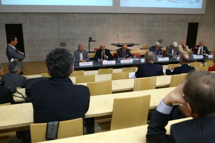 60 years CERN: The panel in Fribourg discussed the impact of CERN on Switzerland.