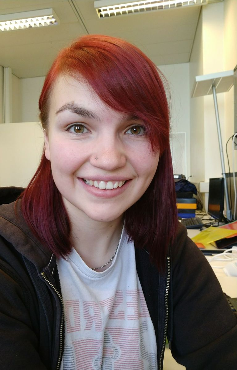 The astro particle physicist Tessa Carver (24) writes her PhD theses in the field of neutrino research at the University of Geneva.