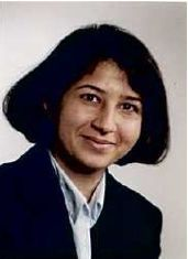 Bahar Behzadi, physics teacher at the 'Freies Gymnasium Zürich'.